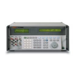 5520A Fluke Multifunction Calibrator