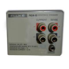 742A-10 Fluke Standard