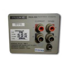 742A-100 Fluke Standard