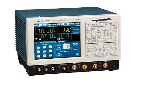 TDS7704B Tektronix 7 25 GHz 4 Channel Digital Oscilloscope Used
