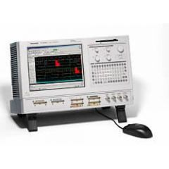 TLA5203 Tektronix Logic Analyzer